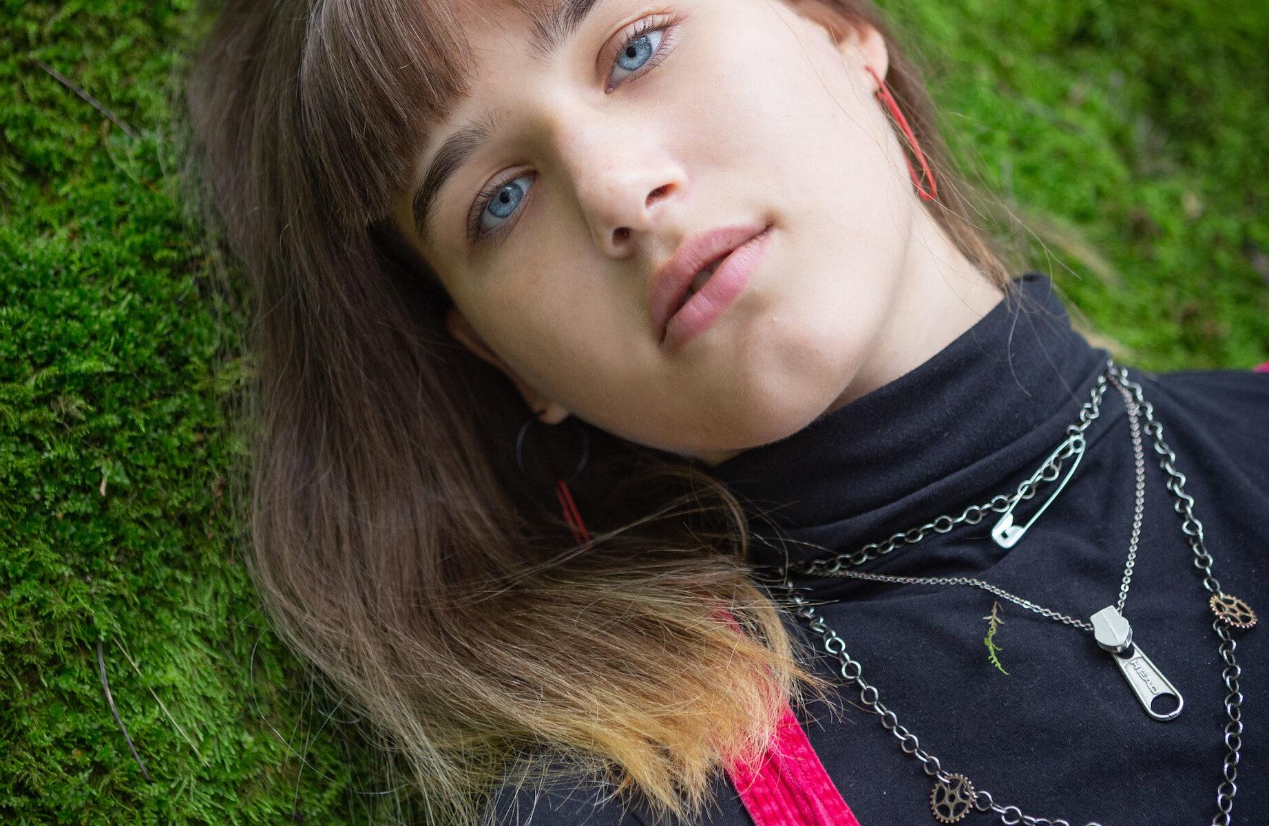 Isabelle Axelsson är aktivist i Fridays for future och en av OmVärldens talanger