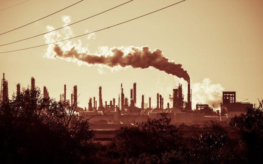 """""""Det är hög tid att alla AP-fonder nu säljer sina innehav i bolag som utvinner och producerar fossila bränslen"""", skriver debattörerna."""
