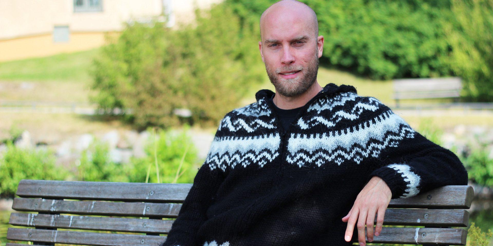 Kristofer Åberg är ordförande Socialdemokratiska Israelvänner och ifrågasätter sina partivänners hållning till Israel, som man han menar är fientlig.