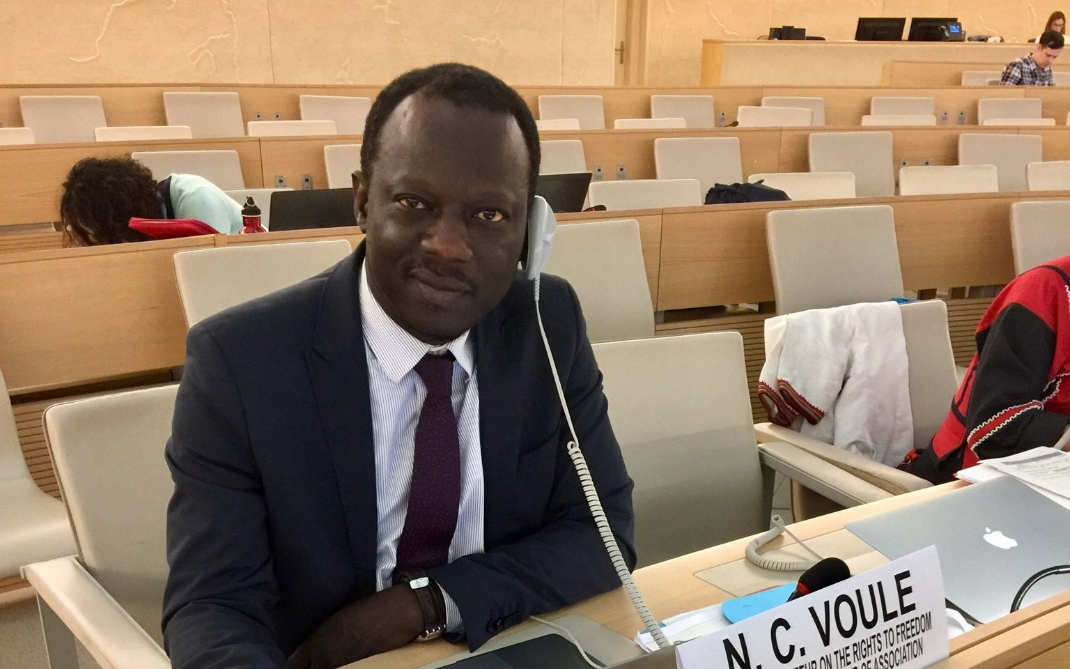FN:s särskilda rapportör för föreningsfriheten,Clément Nyaletsossi Voule, har sedan han tillträdde posten 2018 fått kämpa för att föreningsfriheten även ska gälla på internet.