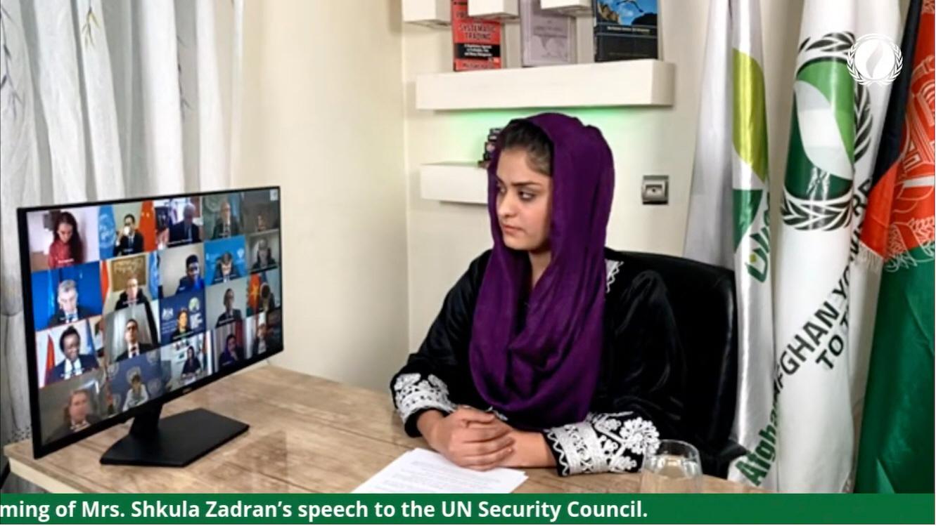 SAK-medarbetaren Shkula Zardan är också Afghanistans ungdomsrepresentant i FN, här i möte med FN:s säkerhetsråd i december 2020.