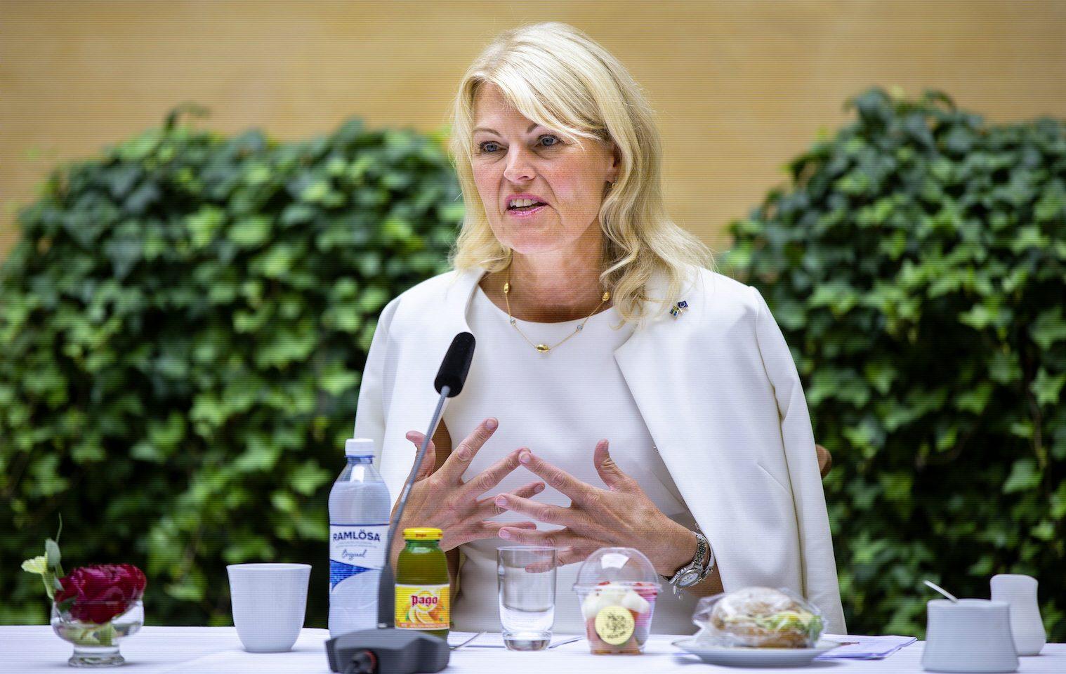 Utrikeshandelsminister Anna Hallberg välkomnar det arbete som svenska företag och civilsamhällesorganisationer gör för en lagstiftning som kravställer att företag lever upp till mänskliga rättigheter.