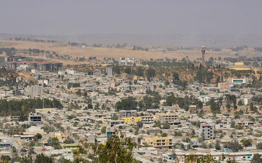 Ett svenskfinansierat biståndsprojekt för att skapa 4 000 arbetstillfällen i Mekele, i Tigray, i norra Etiopien stoppas av det pågående kriget.