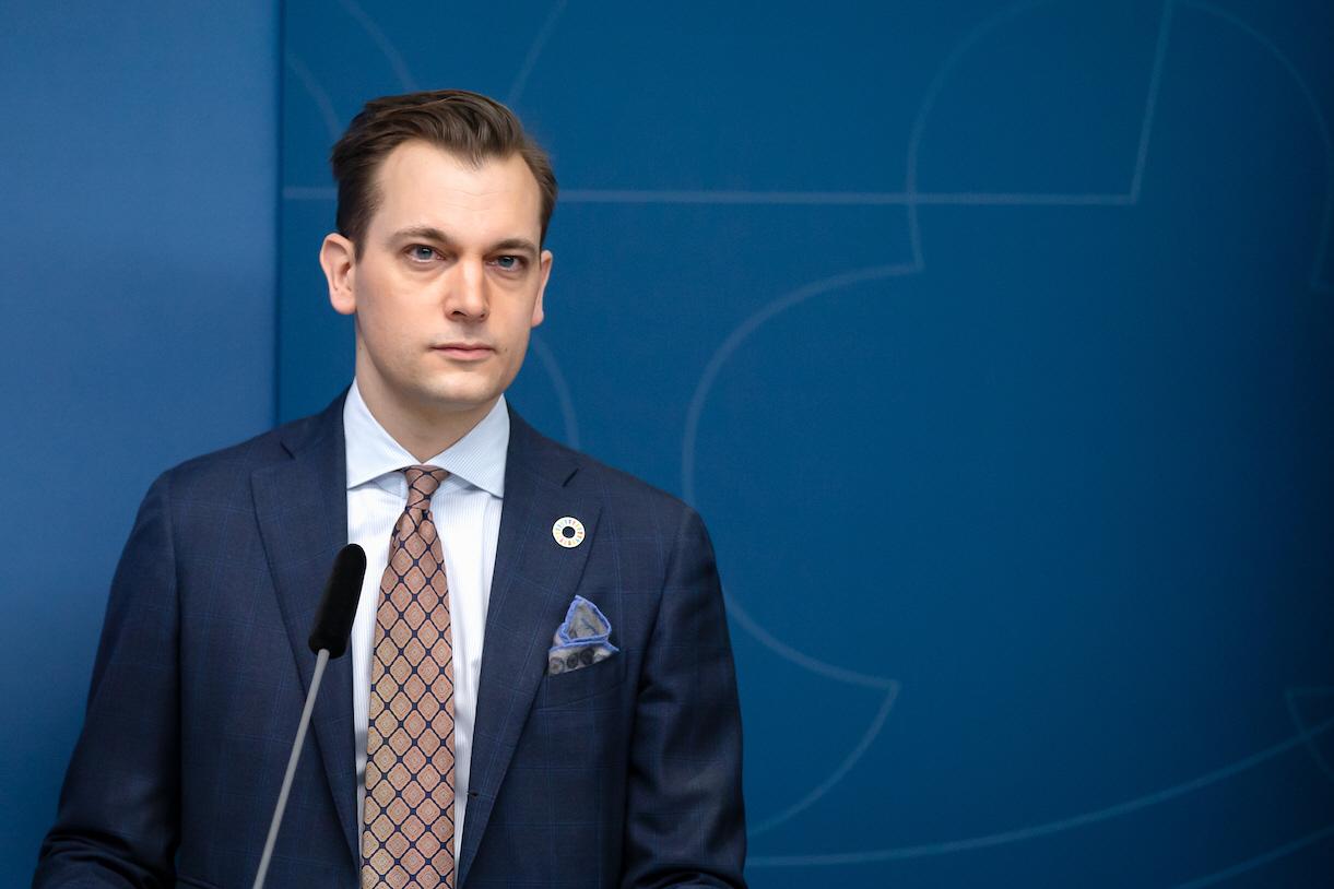 Per Olsson Fridh tar över som minister för internationellt utvecklingssamarbete. Han har tidigare bl.a. varit statssekreterare för samma frågor på Utrikesdepartementet.