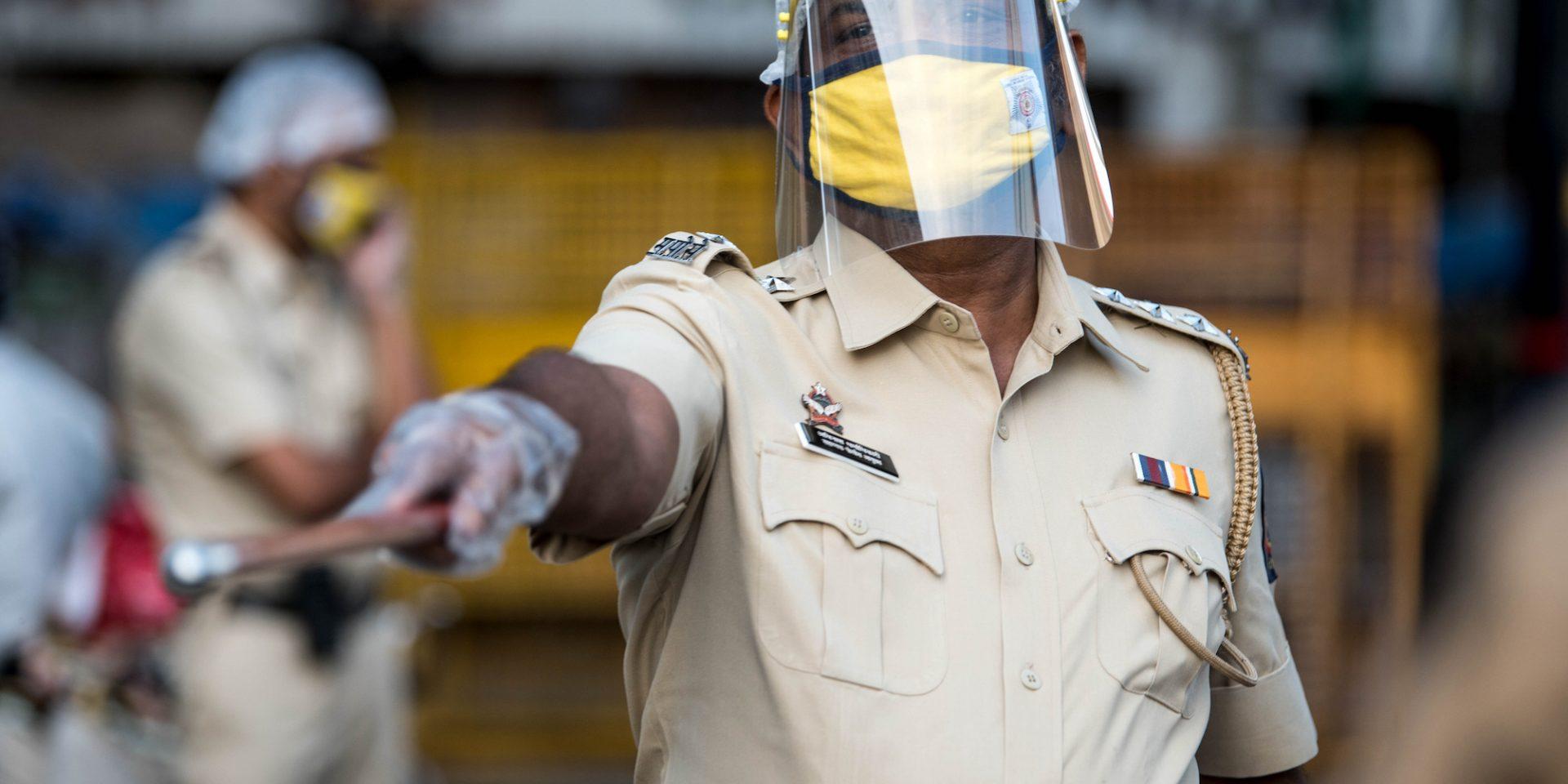 Indien är ett av många länder där demokratin försämrats under covid-19-pandemin. Polisen har slagit ner hårt på bland andra muslimer.