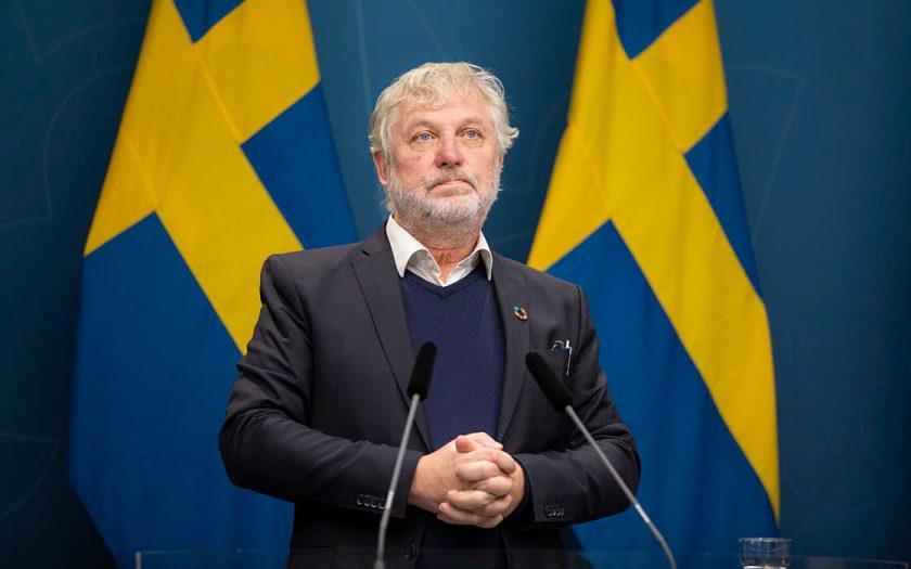 Vid en pressträff den 17 november meddelade Peter Eriksson, minister för internationellt utvecklingssamarbete, sin avgång.