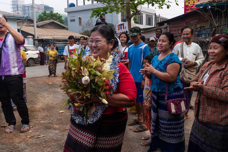 Naw Ohn Hla släpptes ur fängelse den 16 mars i år. Den 10 december utsågs hon till Årets människorättsförsvarare av Civil Rights Defenders.