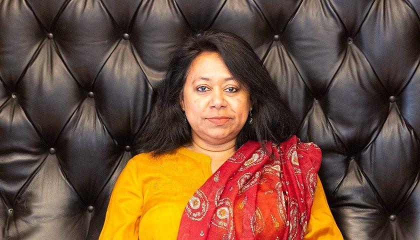 Supriti Dahr är en prisbelönt journalist från Bangladesh som från sin exil i Sverige fortsätter att bevaka kvinnors rättigheter i hemlandet.
