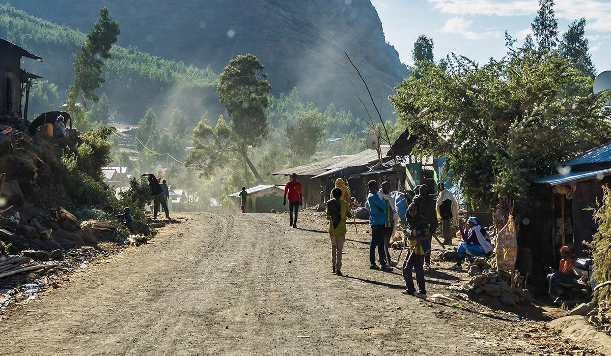 Den väpnade konflikten som brutit ut i Tigrayregionen i norra Etiopien påverkar svenskfinansierade biståndsprojekt i området. Projekten står just nu still.