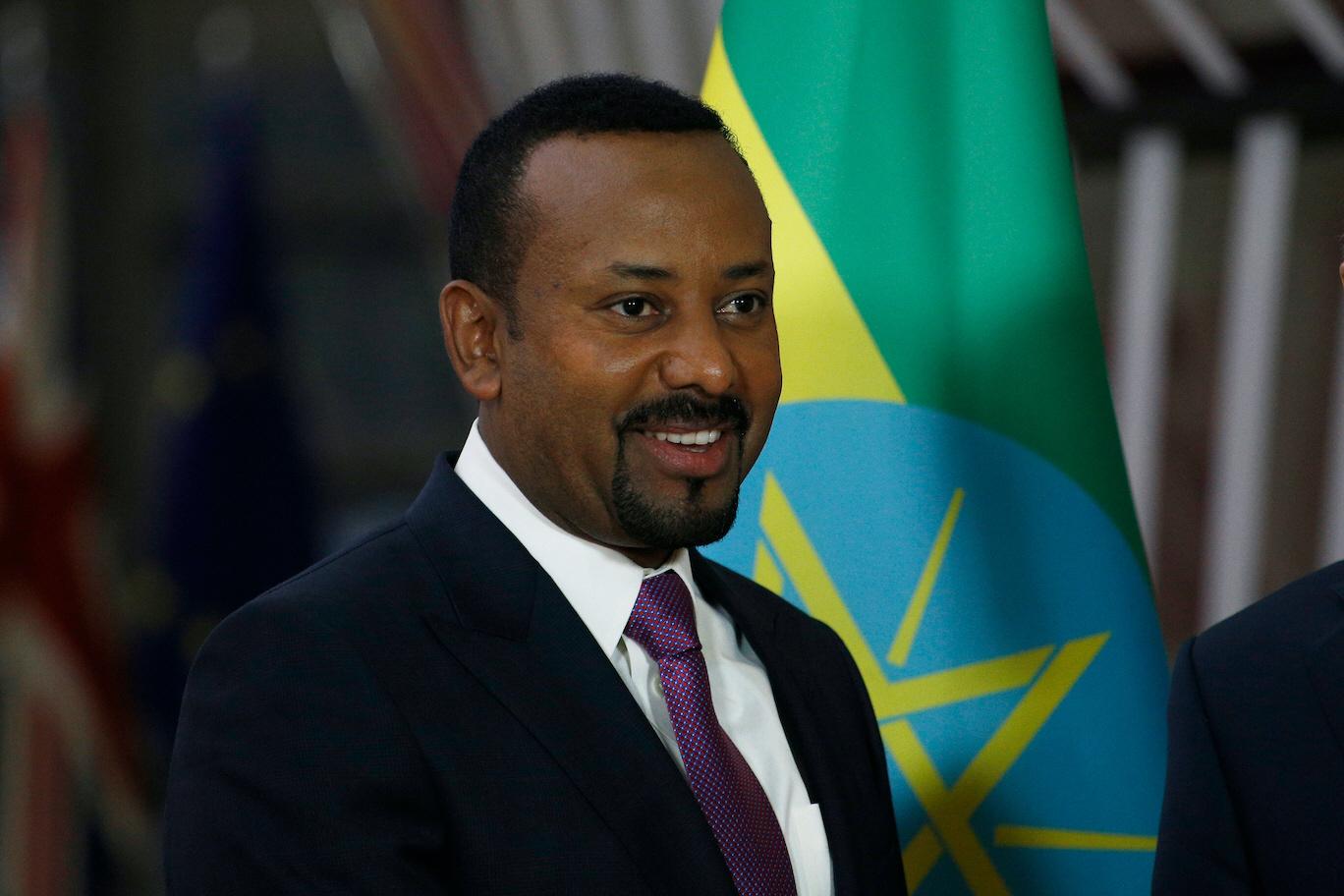 Etiopiens premiärminister Abiy Ahmed tog förra året emot Nobels fredspris, nu står han inför ett inbördeskrig.