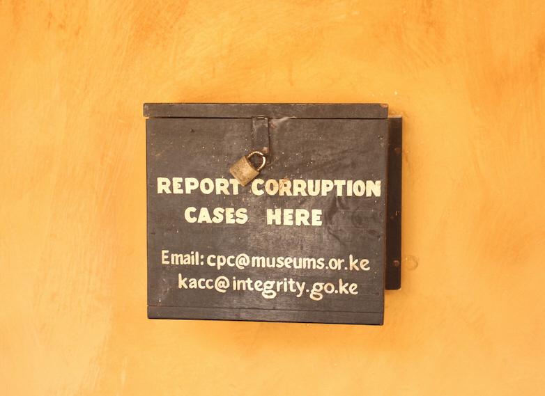 En låda för anonyma tips om korruption i Kenya, ett av de länder där Sida utrett misstänkt korruption under 2019.