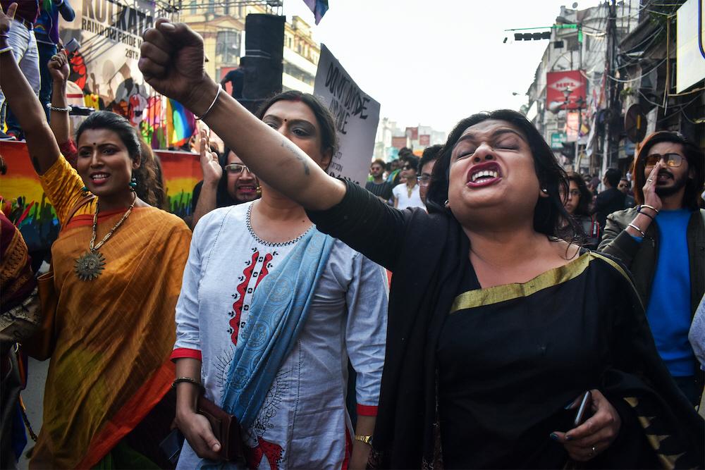 Såväl kvinnor som hbtq-personer är extra utsatta när många av dem nu tvingas vara instängda i karantän med personer som misshandlar eller förtrycker dem. Kraven på ökade rättigheter höjdes redan före covid-19, som är i Kolkata, i december 2019.