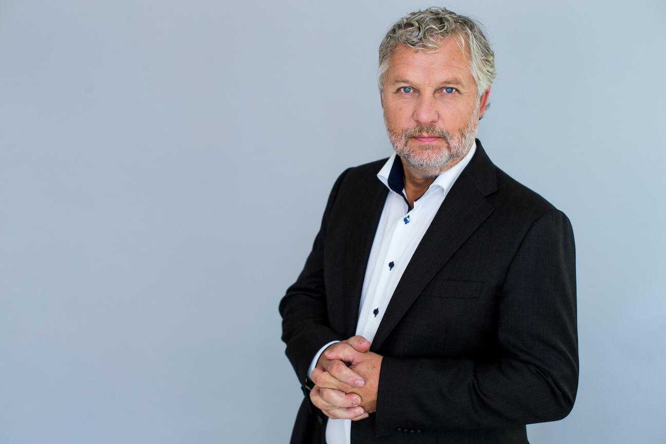 Sveriges minister för internationellt utvecklingssamarbete, Peter Eriksson, tror covid-19 kan bli ett hot mot enprocentmålet.