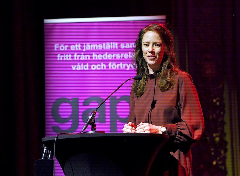 Jämställdhetsminister Åsa Lindhagen ser gärna att Sverige blir bättre på mänskliga rättigheter. Här på Fadimegalan.