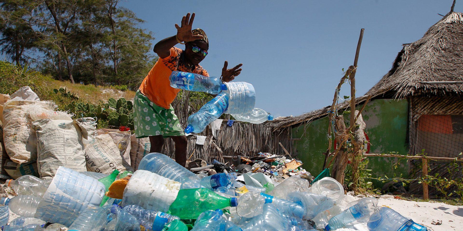 År 2019 var året när vi alla blev mer medvetna om hur vår konsumtion påverkar resten av världen, som här på stranden i Watamu, i Kenya.