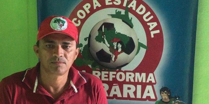 """""""Vi kallas för skurkar och har blivit Bolsonaros stora fiende på landsbygden. De har börjat klassa våra aktioner som terrorism"""" säger Fransisco Antonio Pereira från de jordlösas rörelse (MST) i Brasilien."""