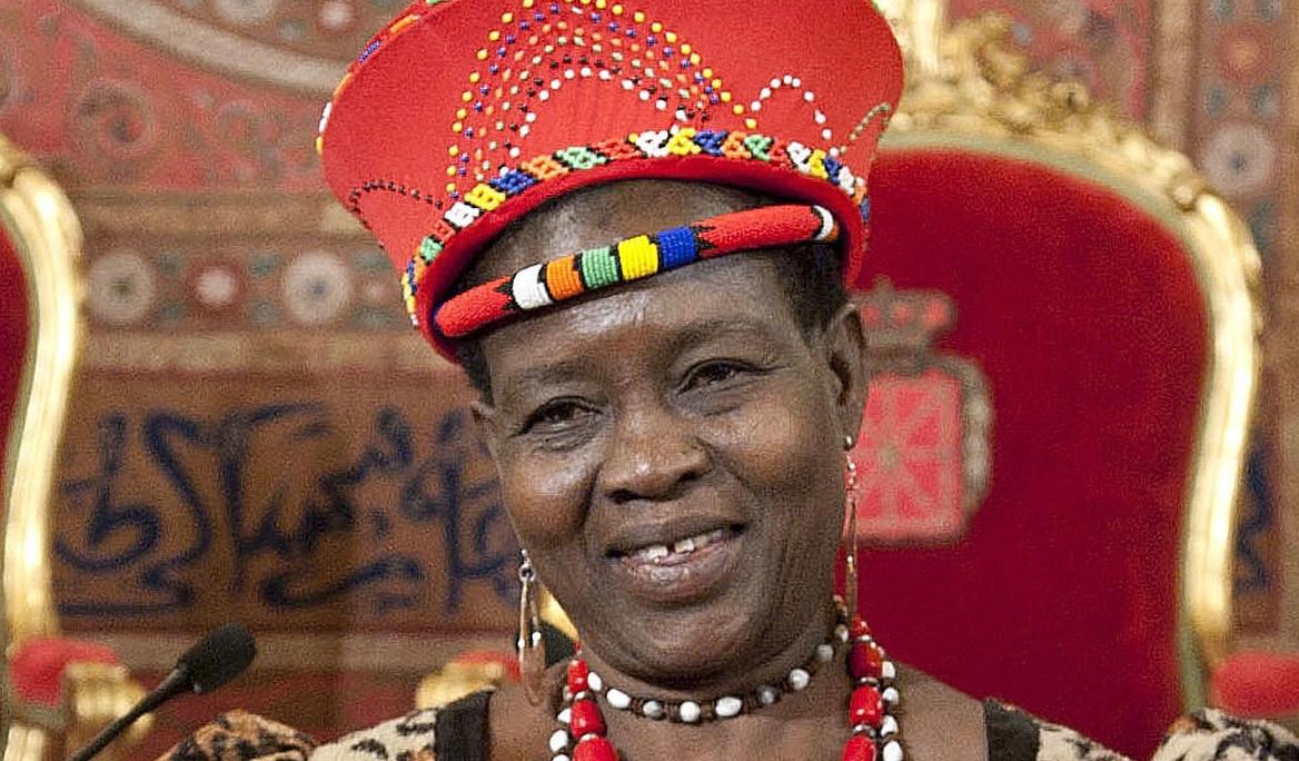 """Theresa Kachindamoto har gjort sig känd som """"The Terminator"""" av barnäktenskap i Malawi – och världen, och för sitt arbete att utmana kulturella normer."""