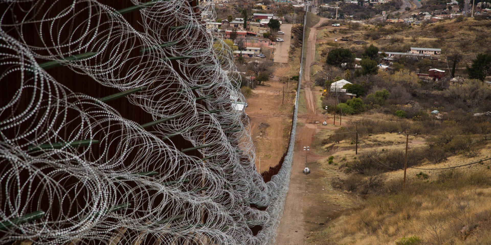 Allt fler murar byggs för att stoppa migration. Muren mot Mexiko kan komma att bli den senaste i ledet. I Nogales som gränsar till Arizona har stängselbygget redan börjat.