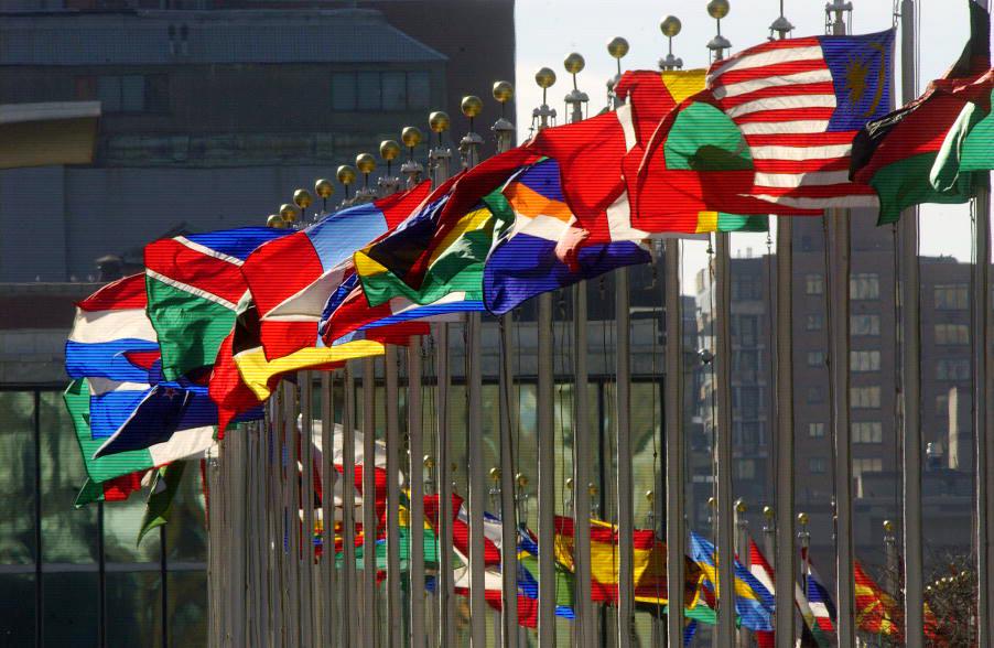 I och med att Sverige varken arbetar för lagstiftning nationellt, eller vill vara delaktiga i förhandlingar på internationell nivå, kan vi konstatera att mänskliga rättigheter inte är en prioriterad fråga i Sveriges investerings- och handelspolitik, skriver företrädare för FIAN Sverige, Latinamerikagrupperna, Afrikagrupperna, Jordens Vänner, Greenpeace Sverige och End Ecocide Sweden.