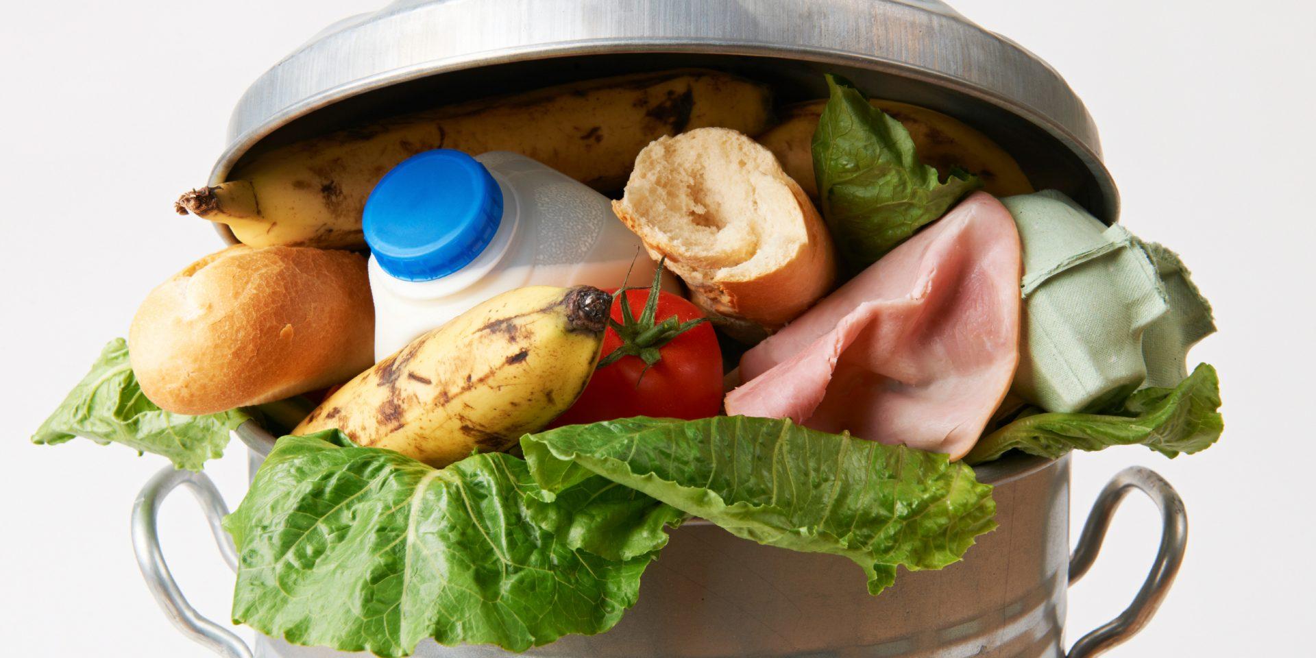Det är dags att få stopp på svinnet - men framtidens mat behöver också vara växtbaserad.