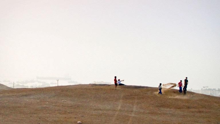 Människor i Arica som levt nära det dumpade avfallet har blivit sjuka eller dött.