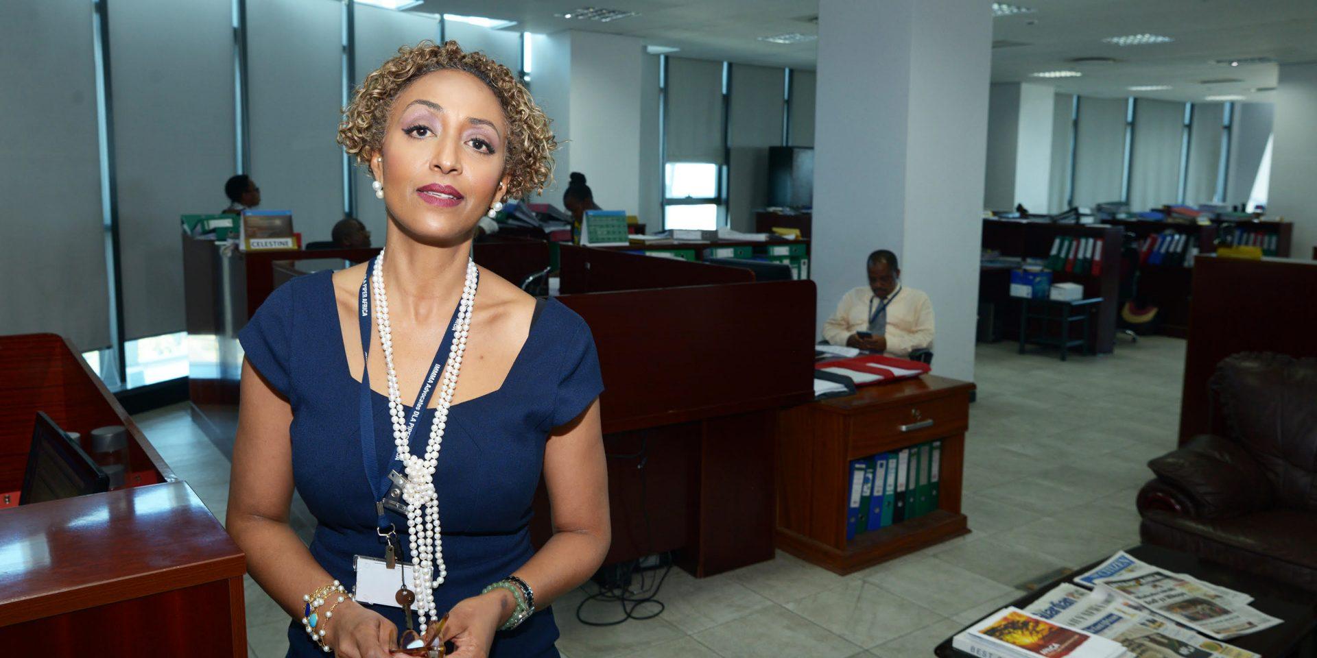 """""""Västvärlden bör sluta stödja Tanzanias regering"""", säger advokaten Fatma Karume som är en av få som öppet vågar kritisera regimen i Tanzania."""