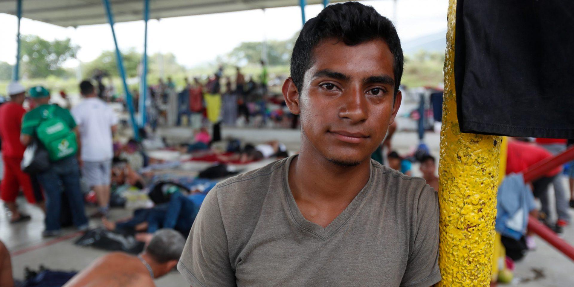 Marel Antonio Murillo Santos, här i ett temporärt flyktingläger i Mexiko, är en av många migranter från Honduras som flyr från fattigdom och korruption.