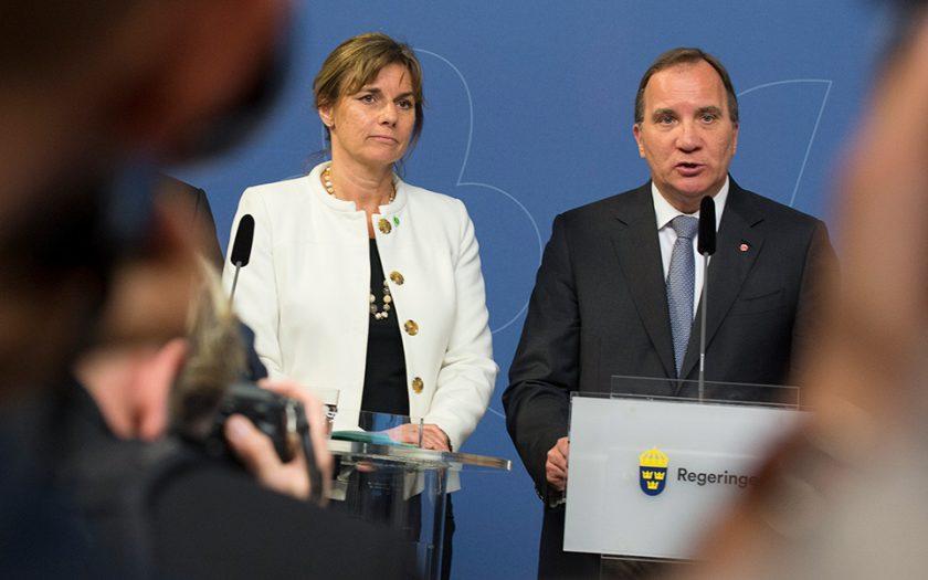 Regeringen rekryterar politiskt sakkunniga från Greenpeace och Svenska Afghanistankommittén.