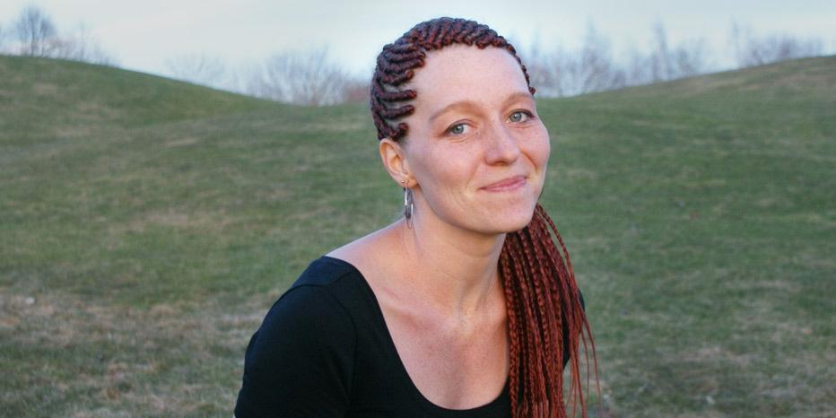 Emelie Mararv, frilansskribent boende i Centralafrikanska republiken sedan 12 år, studerar freds- ochutvecklingsfrågor vid Uppsala universitet.