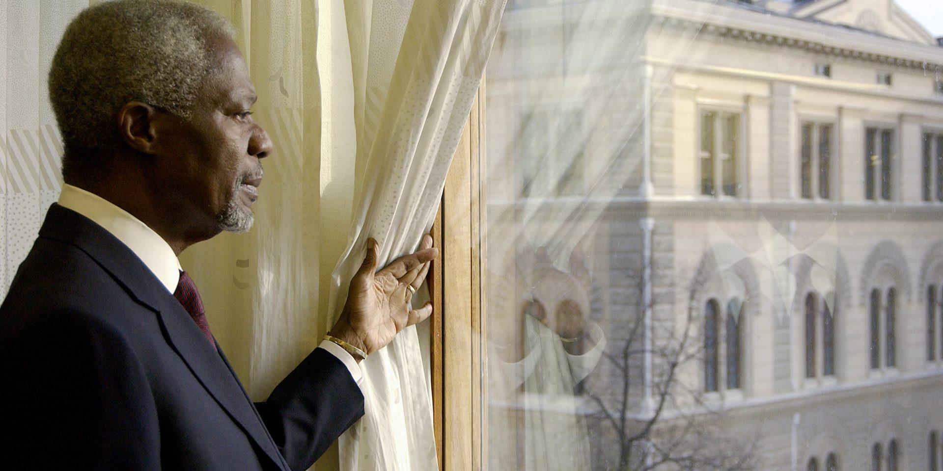 Kofi Annan är gift med svenskan Nane Annan och är på bilden på besök i Stockholm.