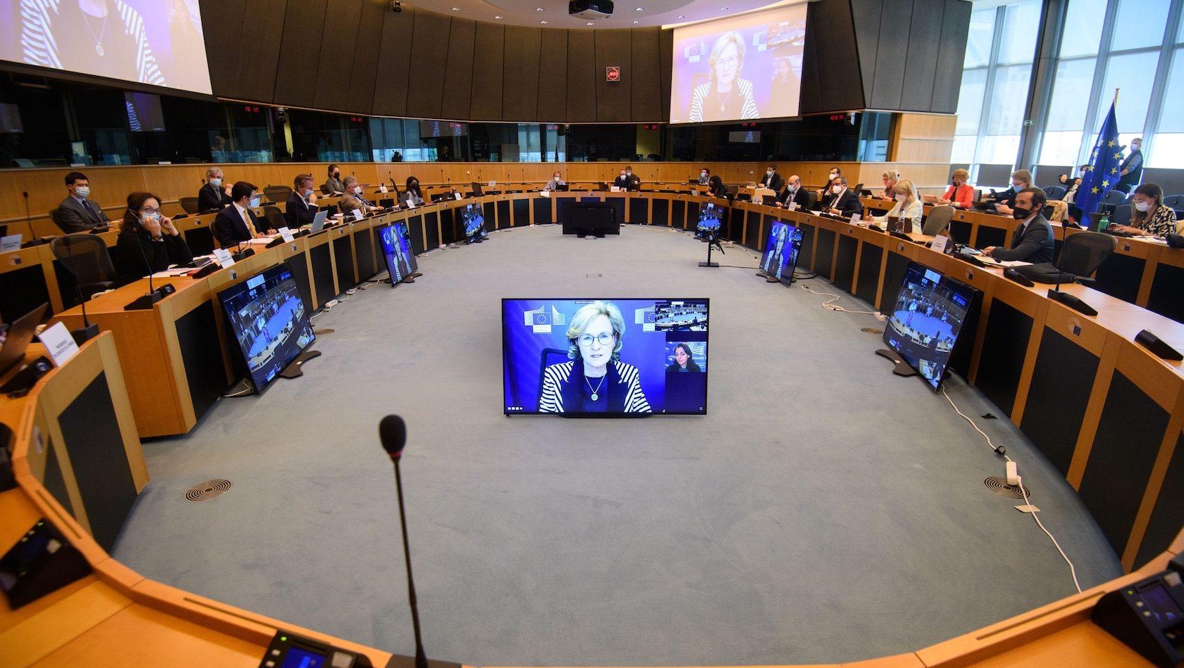 Trepartsförhandlingar i EU.