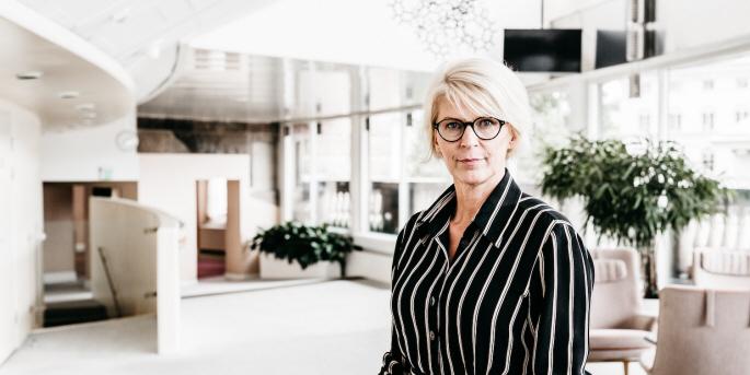 Under 2019–2020 fick inget annat biståndspolitiskt utspel större medial uppmärksamhet än Moderaternas ekonomisk-politiska talesperson Elisabeth Svantessons utspel om föreslagna besparingar inom biståndet.