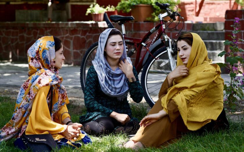 Tre kvinnliga journalister i Afghanistan som sökt skyddat boende