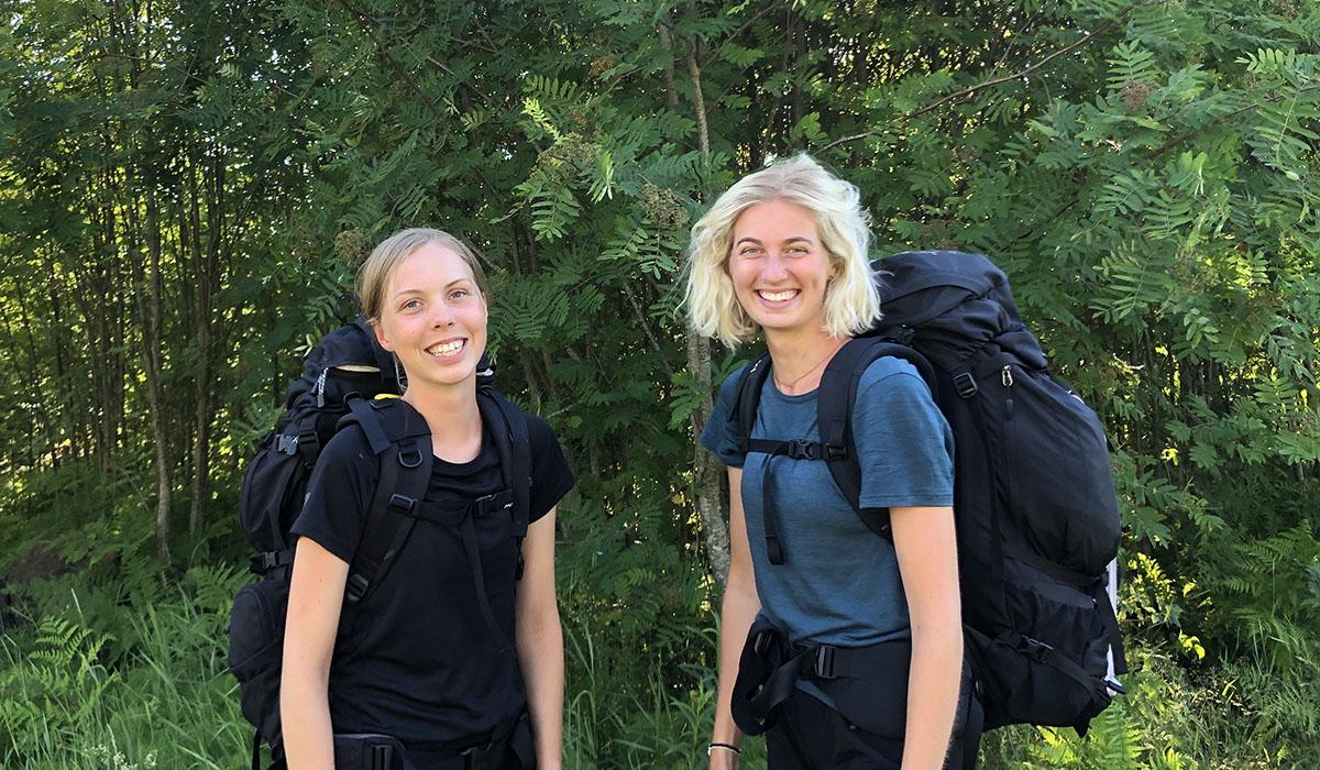 Elina Bengtson och Ebba Westergren vandrar för kvinnorna i Sydsudan.