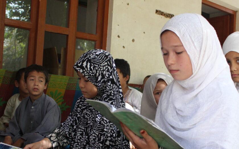 Afghanska skolbarn i en av SAK:s skolor i Kunduz.