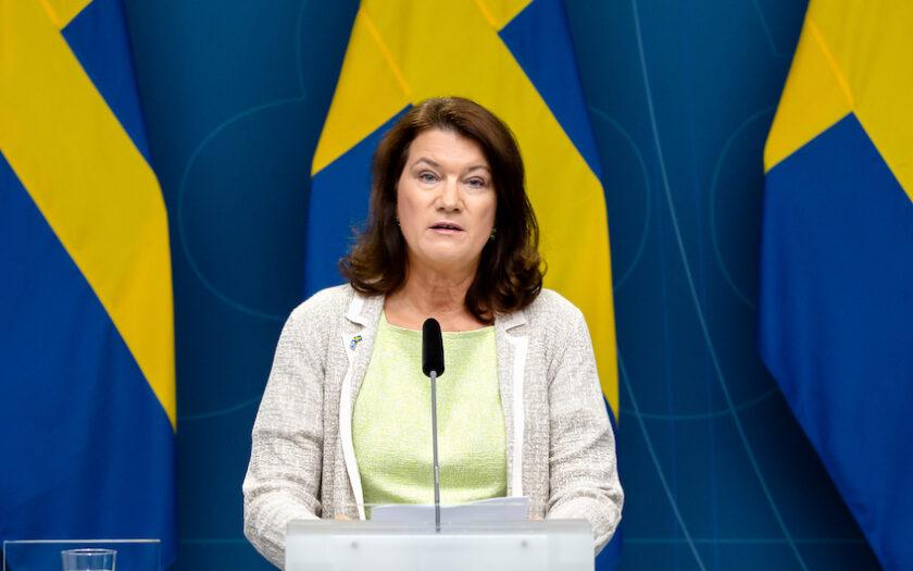 Utrikesminister Ann Linde tänker inte ge en spänn till talibanerna.