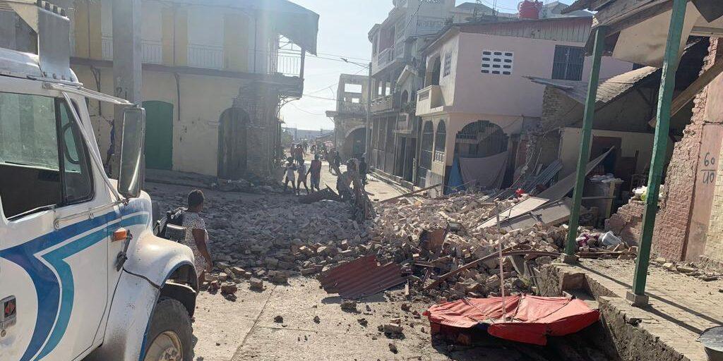Förödelsen i Haiti efter jordbävningen 14 augusti är stor