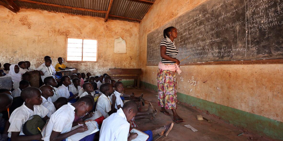 Ska biståndet betalas ut måste Tanzanias skolor visa goda resultat först.