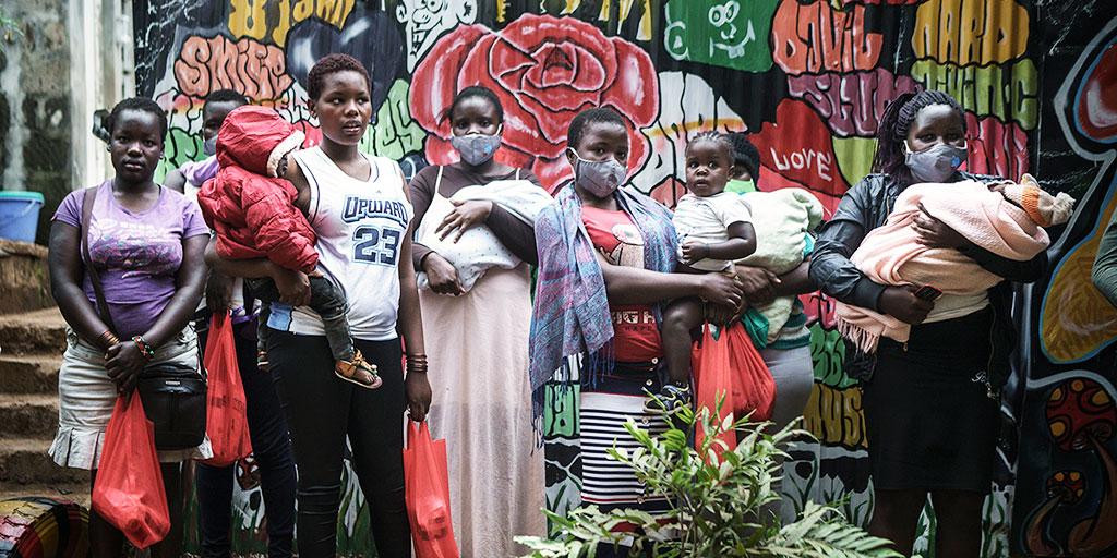 Ensamma tonårsmammor i Kenya